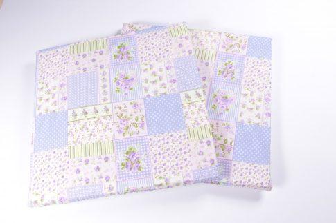 Kivehető szivacsos lila mintás ülőpárna