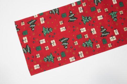 Piros dobozos karácsonyi mintás futó 35 cm X 200 cm
