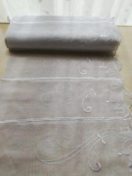 Fehér hímzett vitrázs 90 cm magas  20% kedvezmény