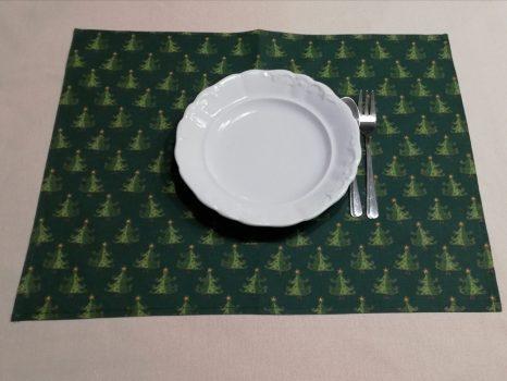 Zöld mintás tányéralátét
