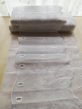 Fehér hímzett vitrázs 30 cm magas
