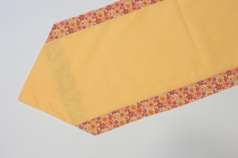 Sárga virágos szélű futó 35 cm X 140 cm