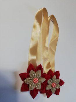 Textilvirágos mágneses elkötő piros