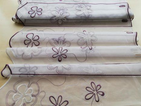 Lila hímzett vitrázs 60 cm magas