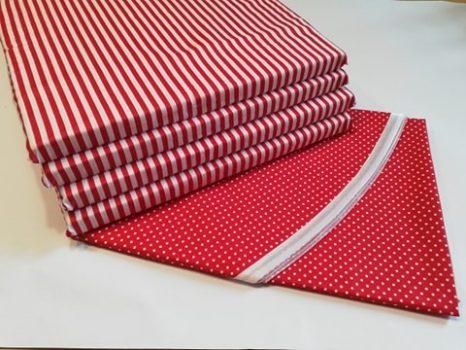 Kerek terítő párnával piros